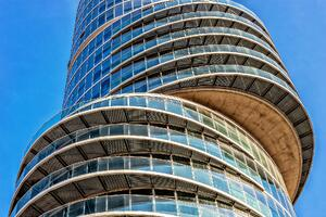The Relationship Between Enterprise Architecture and DevOps