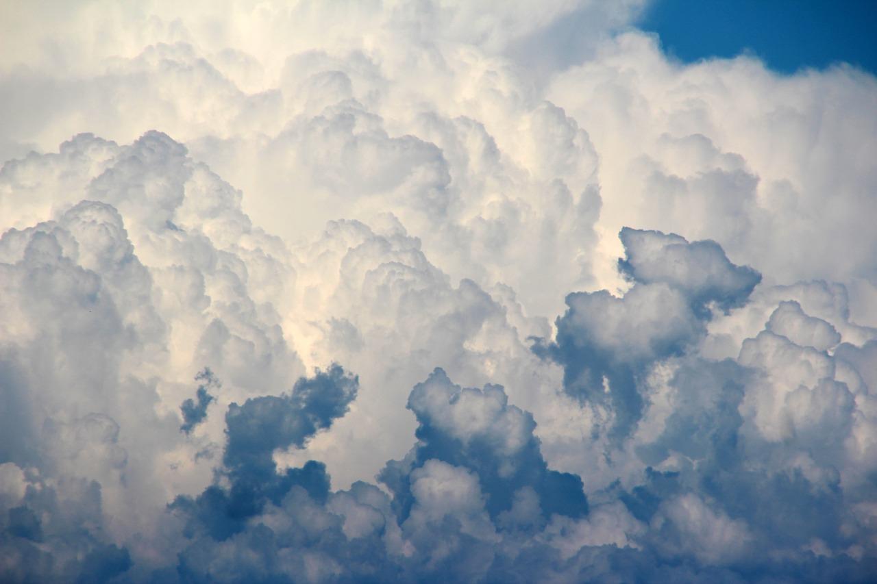 clouds-1473311_1280.jpg